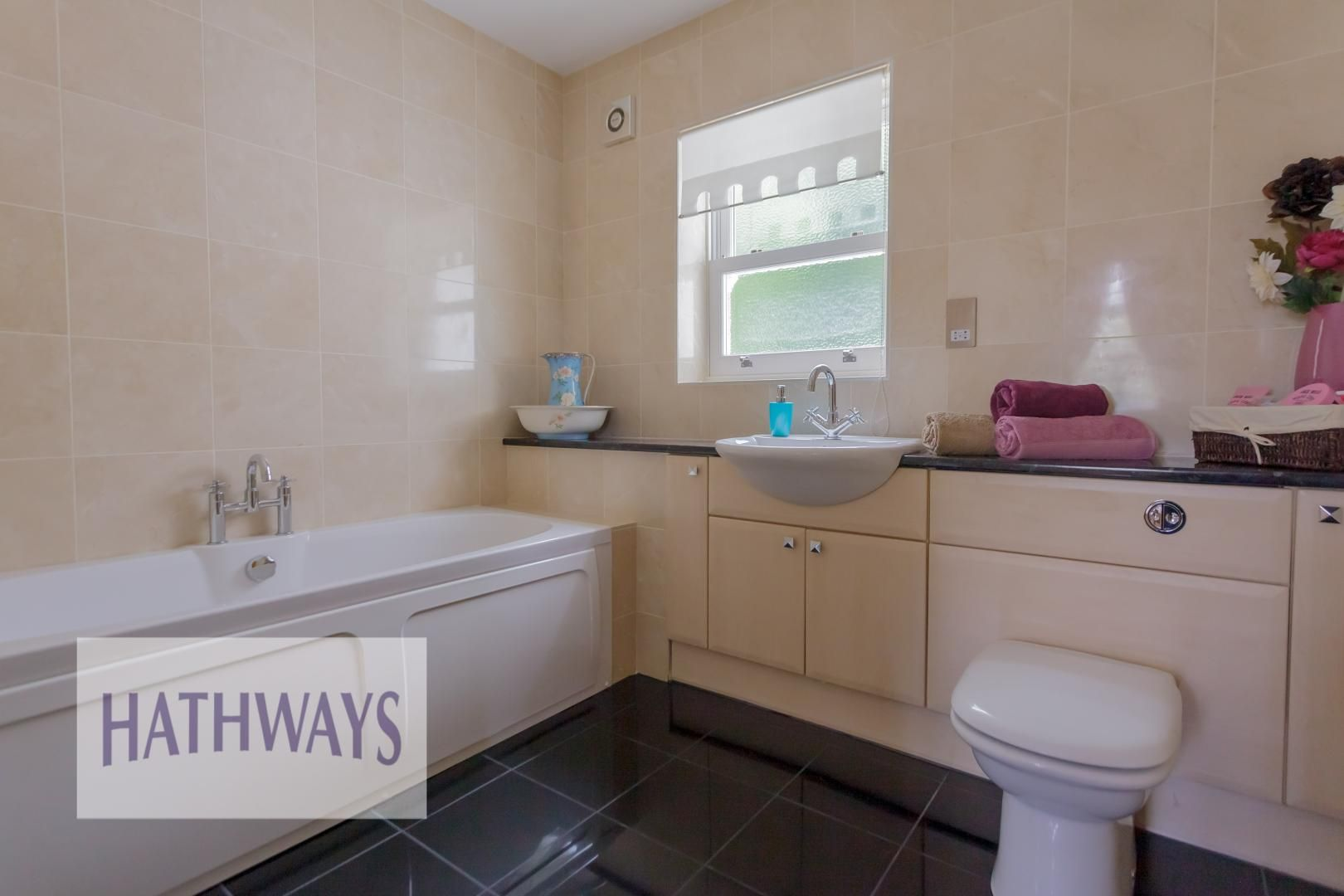 5 bed house for sale in Highfield Close 45