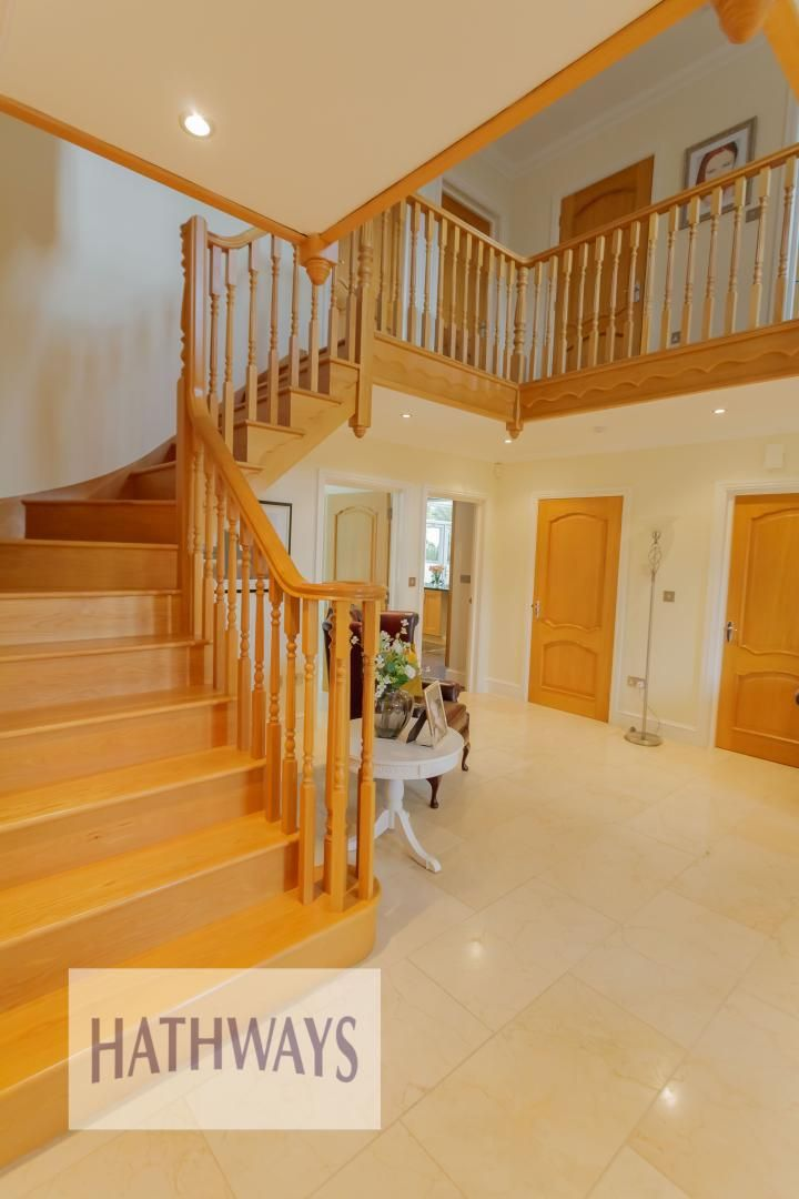 5 bed house for sale in Highfield Close 8