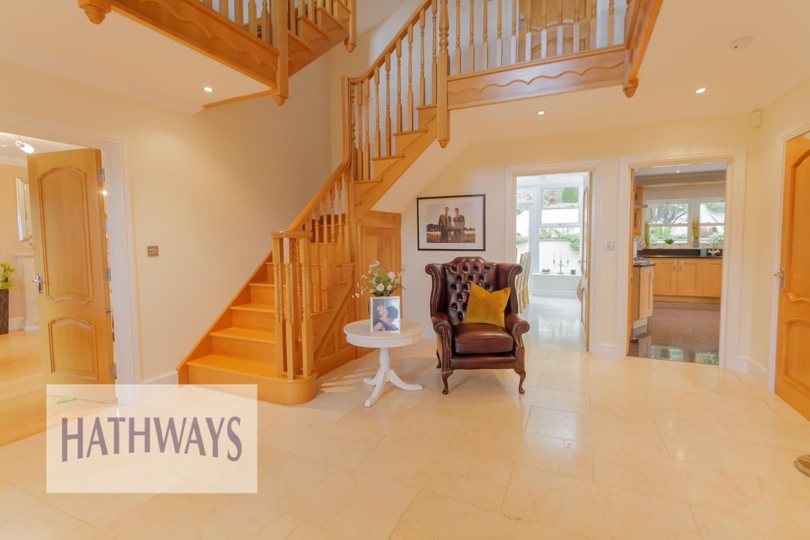 5 bed house for sale in Highfield Close 10