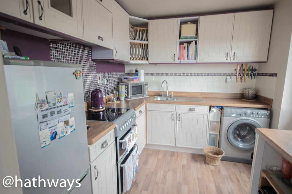 2 bed bungalow for sale in Beechleigh Close 2