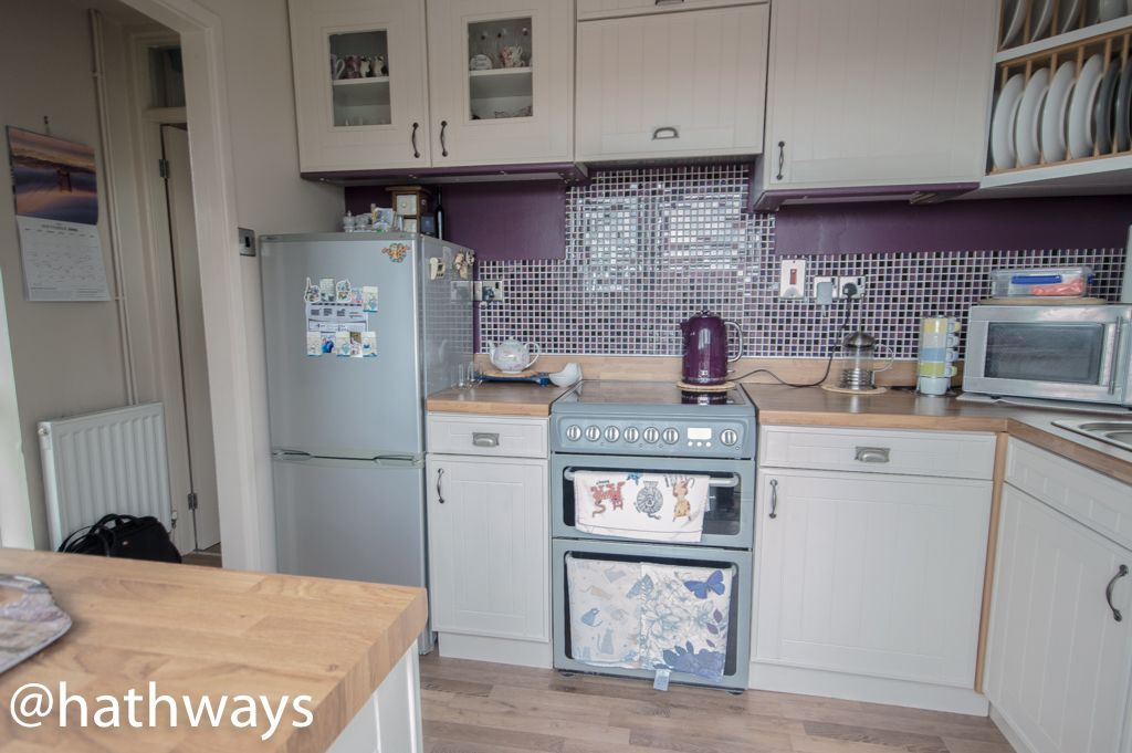 2 bed bungalow for sale in Beechleigh Close  - Property Image 3