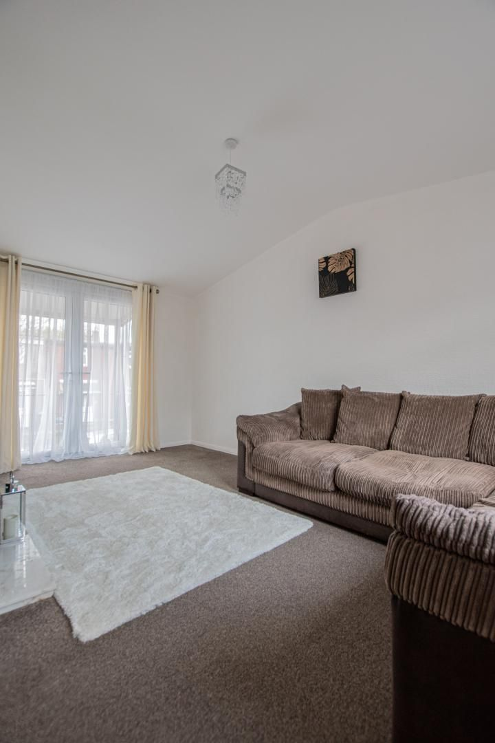 2 bed flat to rent in Porthmawr Road  - Property Image 3