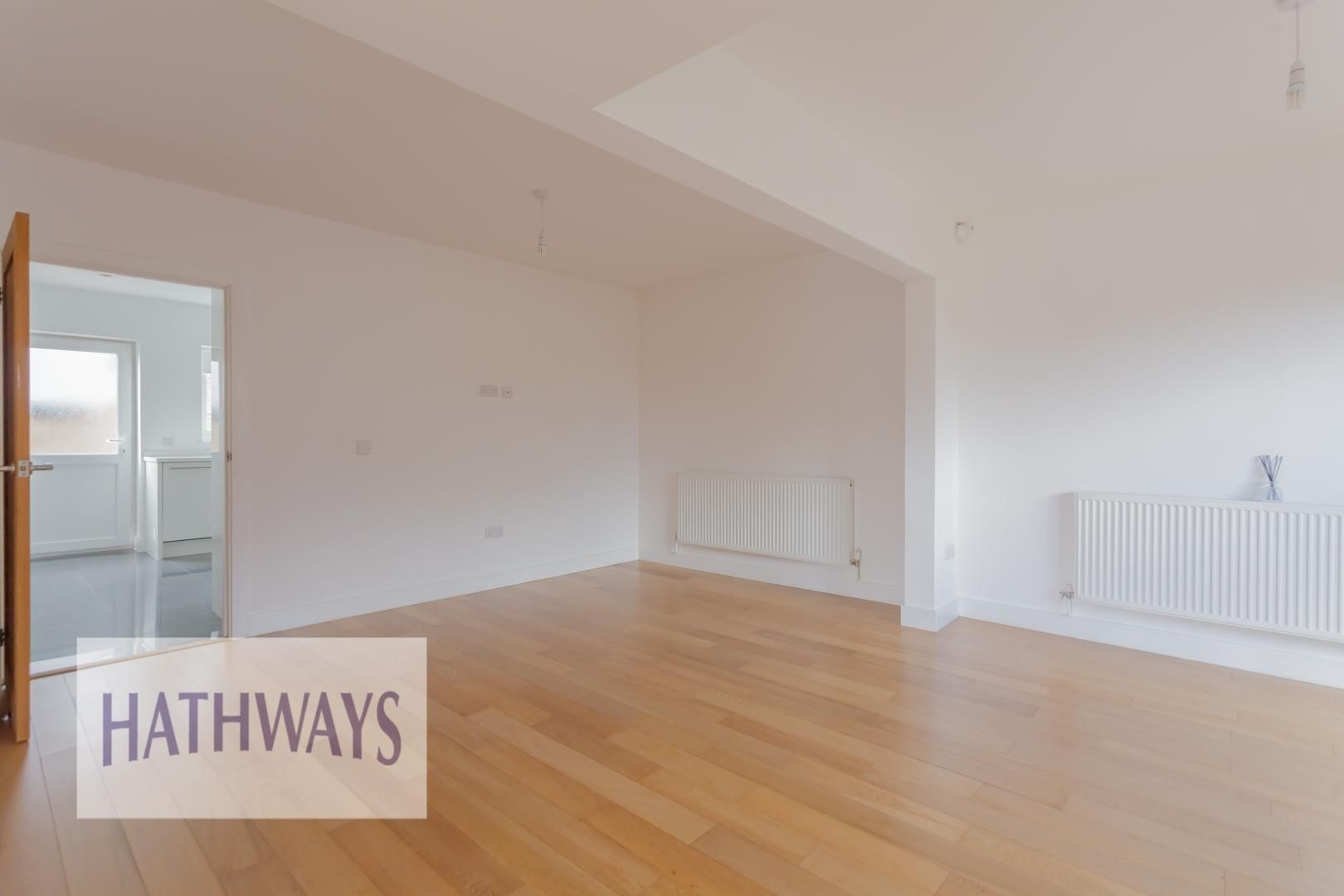 4 bed house for sale in Lodge Road 13