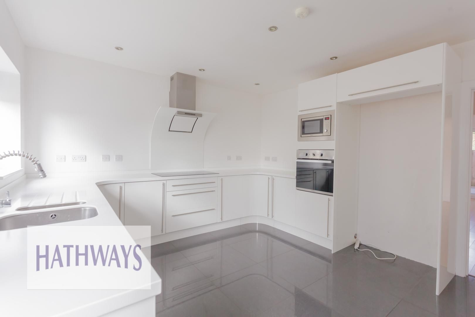 4 bed house for sale in Lodge Road  - Property Image 15