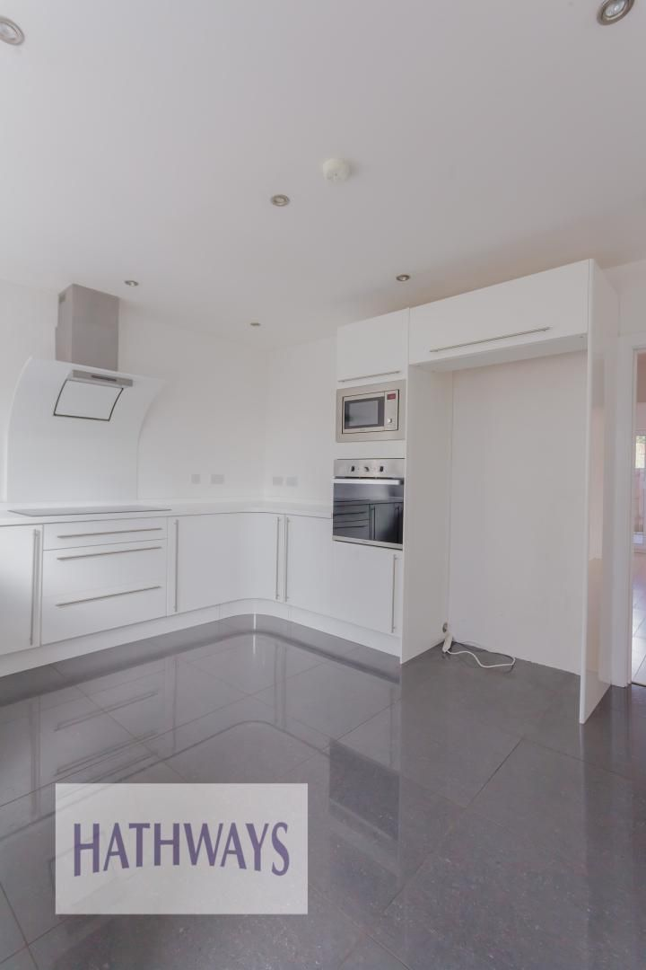 4 bed house for sale in Lodge Road  - Property Image 18