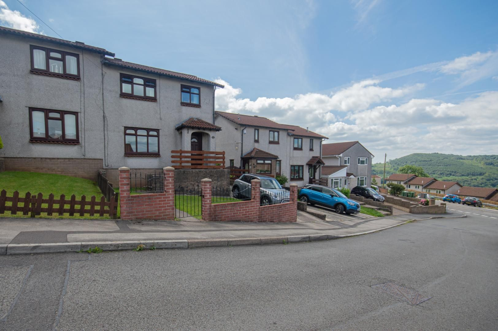 3 bed house to rent in Cader Idris Close, NP11