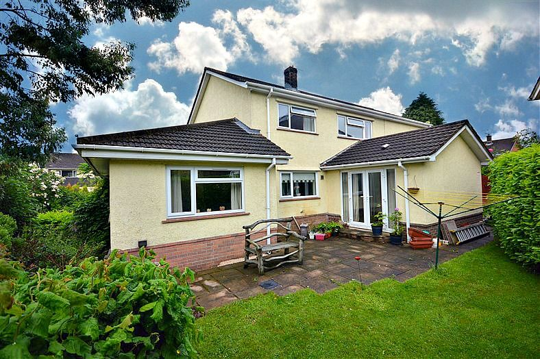 4 bed house for sale in The Alders, NP44