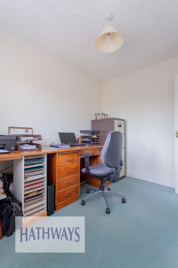 4 bed house for sale in East Lynne Gardens 33