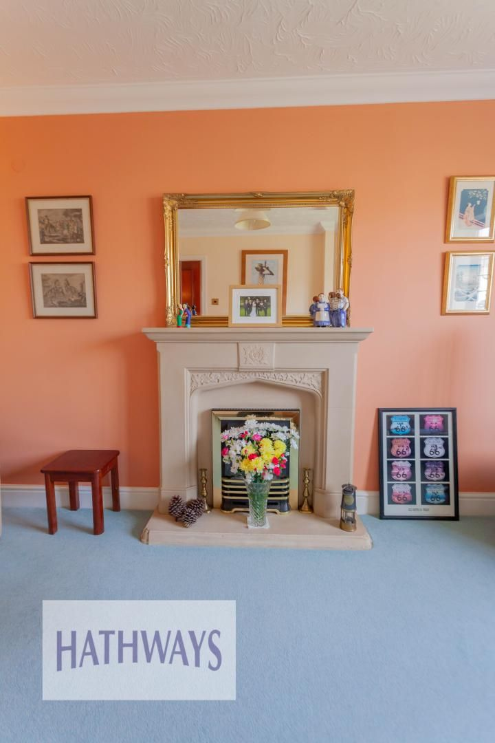 4 bed house for sale in East Lynne Gardens 9