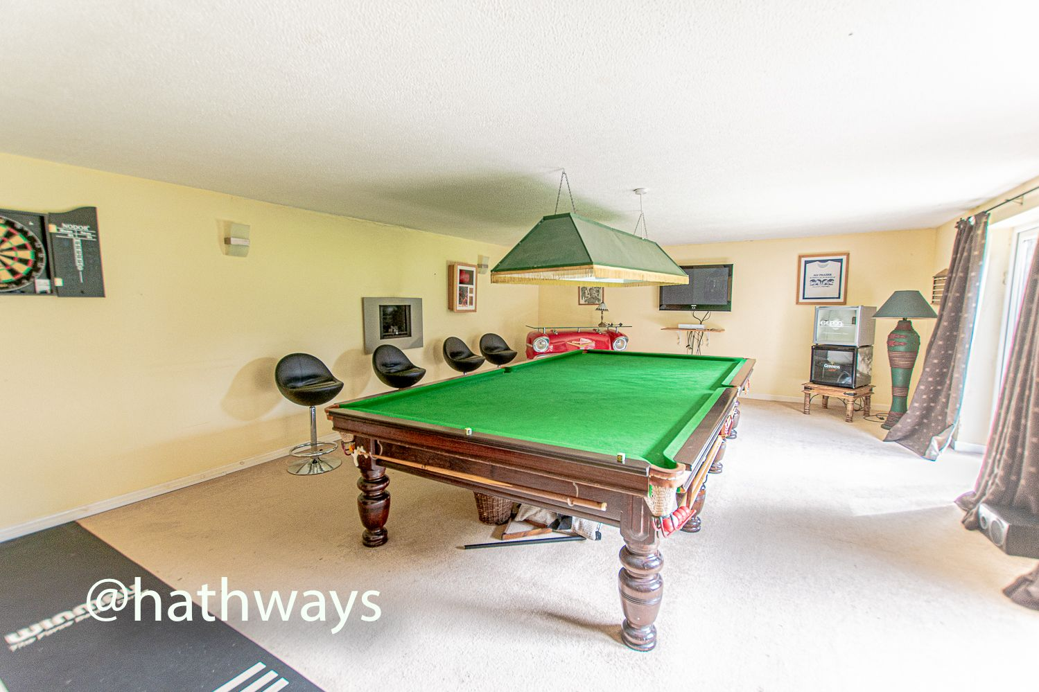 4 bed house for sale in Springfield Close  - Property Image 9