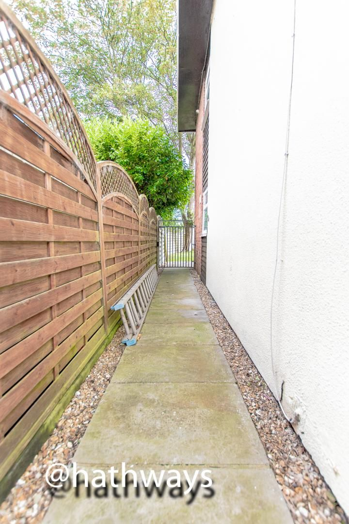 3 bed house for sale in Camelot Court 20