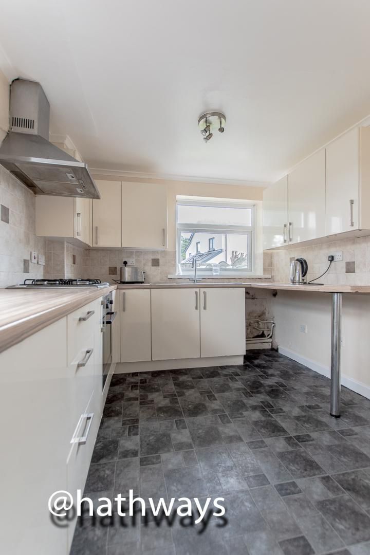 3 bed house for sale in Camelot Court 7