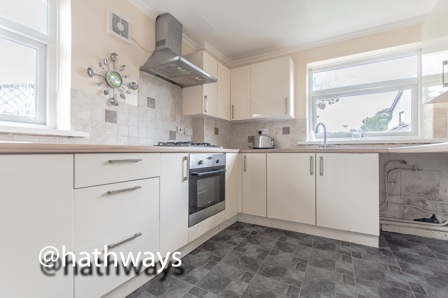 3 bed house for sale in Camelot Court 8