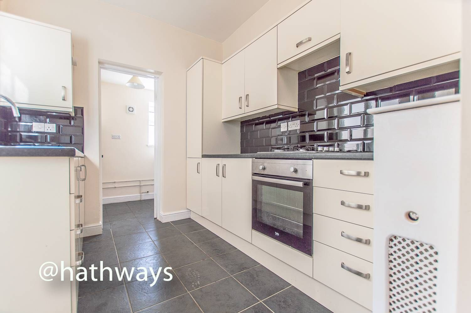 3 bed house for sale in Glenview 14