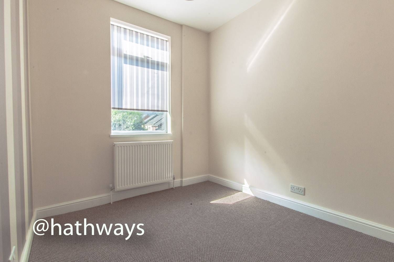 3 bed house for sale in Glenview 25