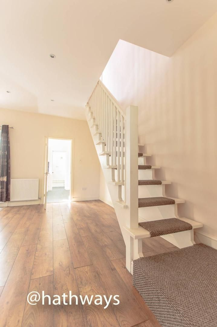 3 bed house for sale in Glenview 5