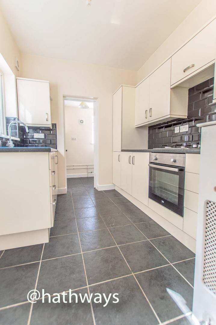 3 bed house for sale in Glenview 9