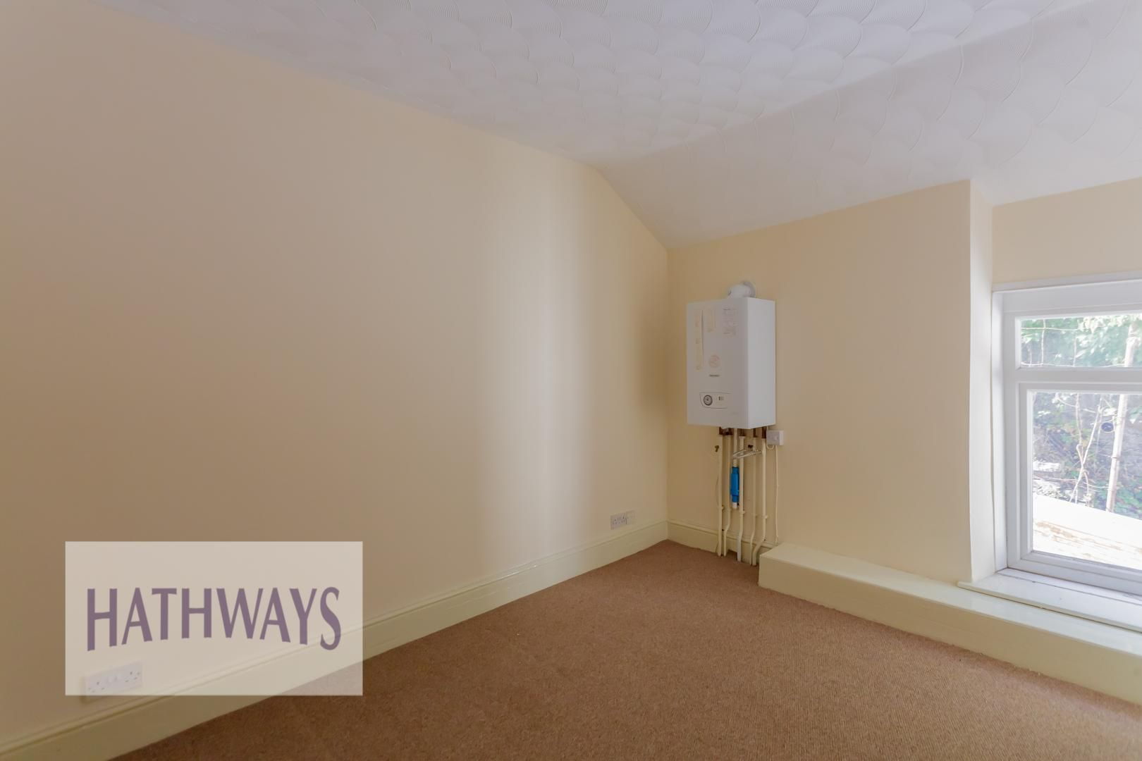2 bed house for sale in Aberbeeg Road 25