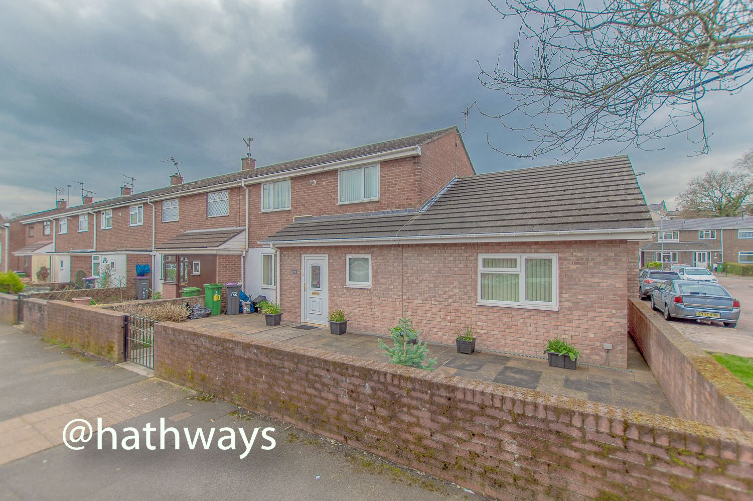 3 bed house to rent in Llewellyn Road, NP44