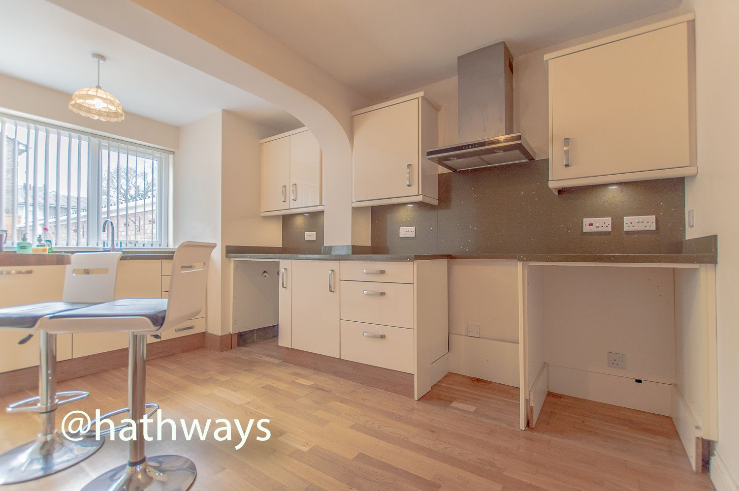 3 bed house to rent in Llewellyn Road  - Property Image 11