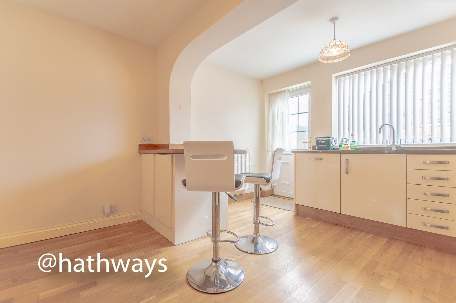 3 bed house to rent in Llewellyn Road  - Property Image 12