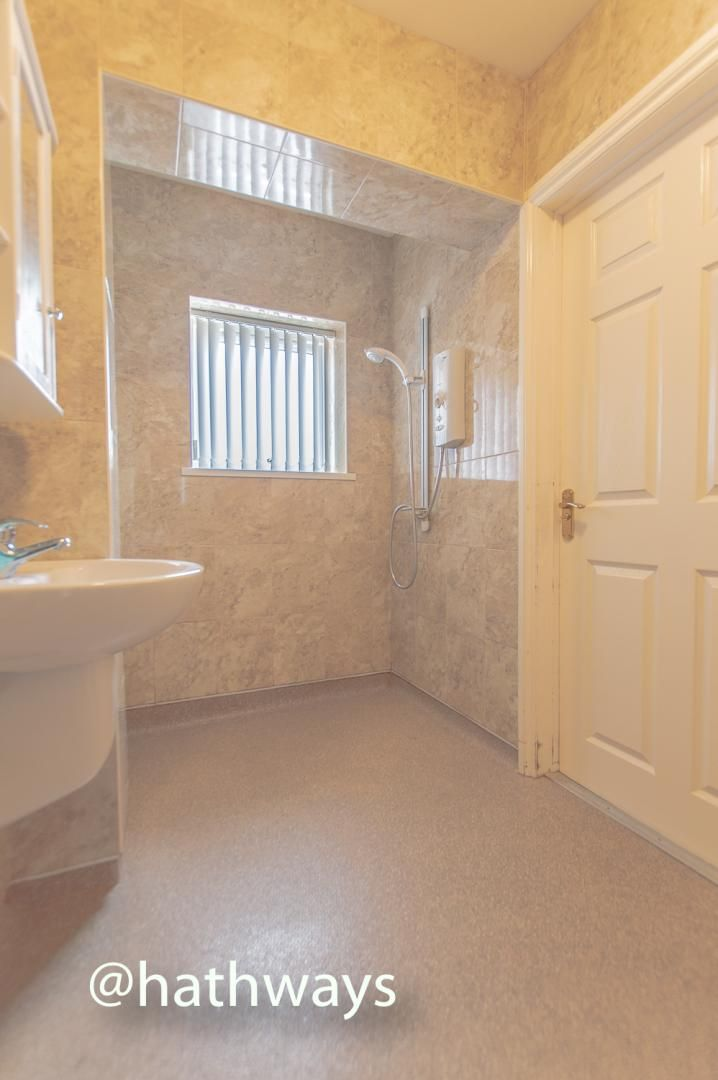 3 bed house to rent in Llewellyn Road  - Property Image 19