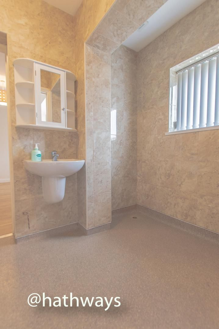 3 bed house to rent in Llewellyn Road  - Property Image 20