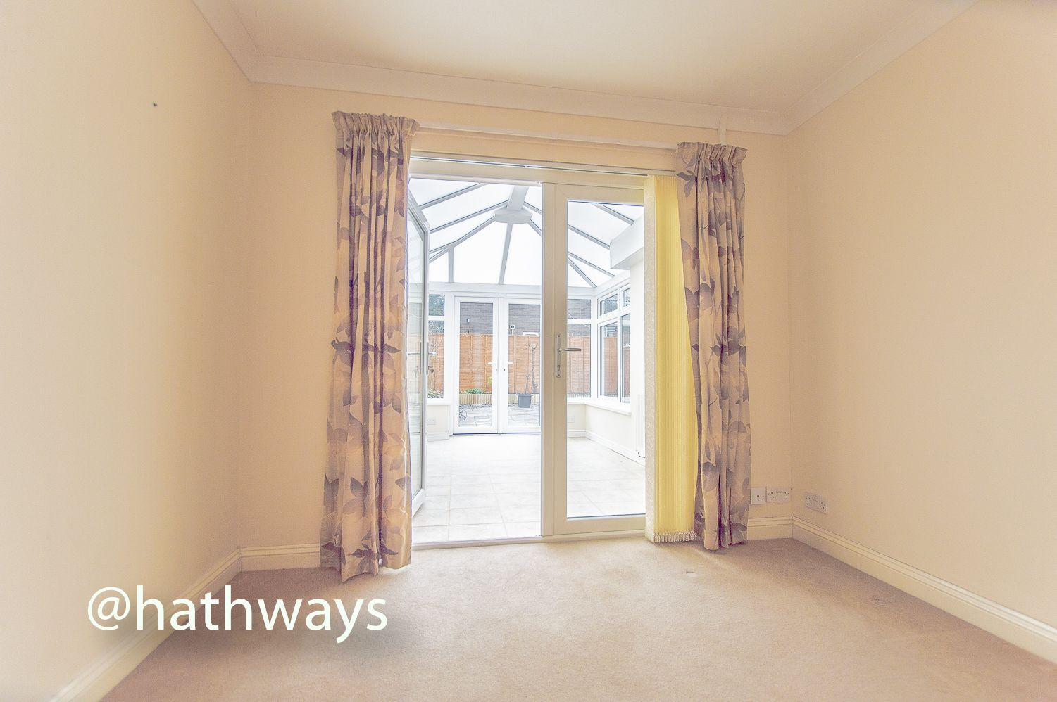 3 bed house to rent in Llewellyn Road  - Property Image 3