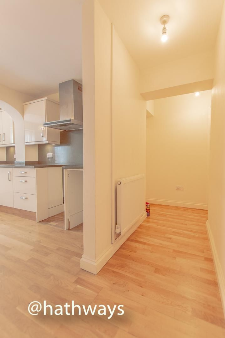 3 bed house to rent in Llewellyn Road  - Property Image 9