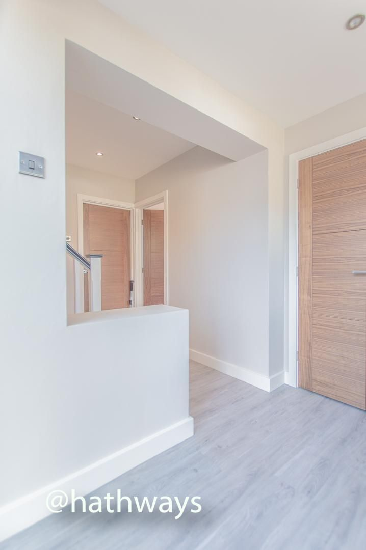 3 bed house for sale in Garw Wood Drive 3