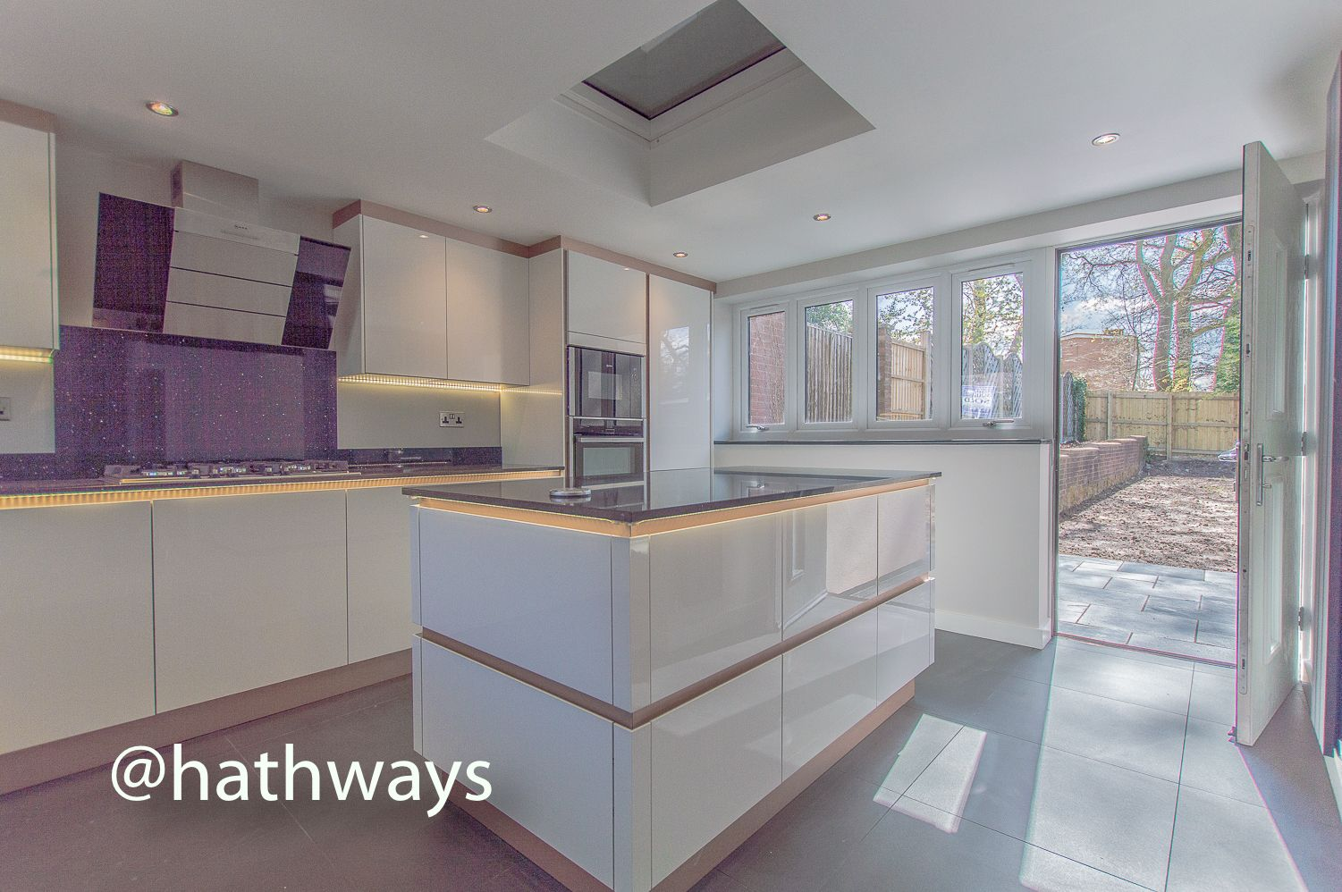 3 bed house for sale in Garw Wood Drive 27