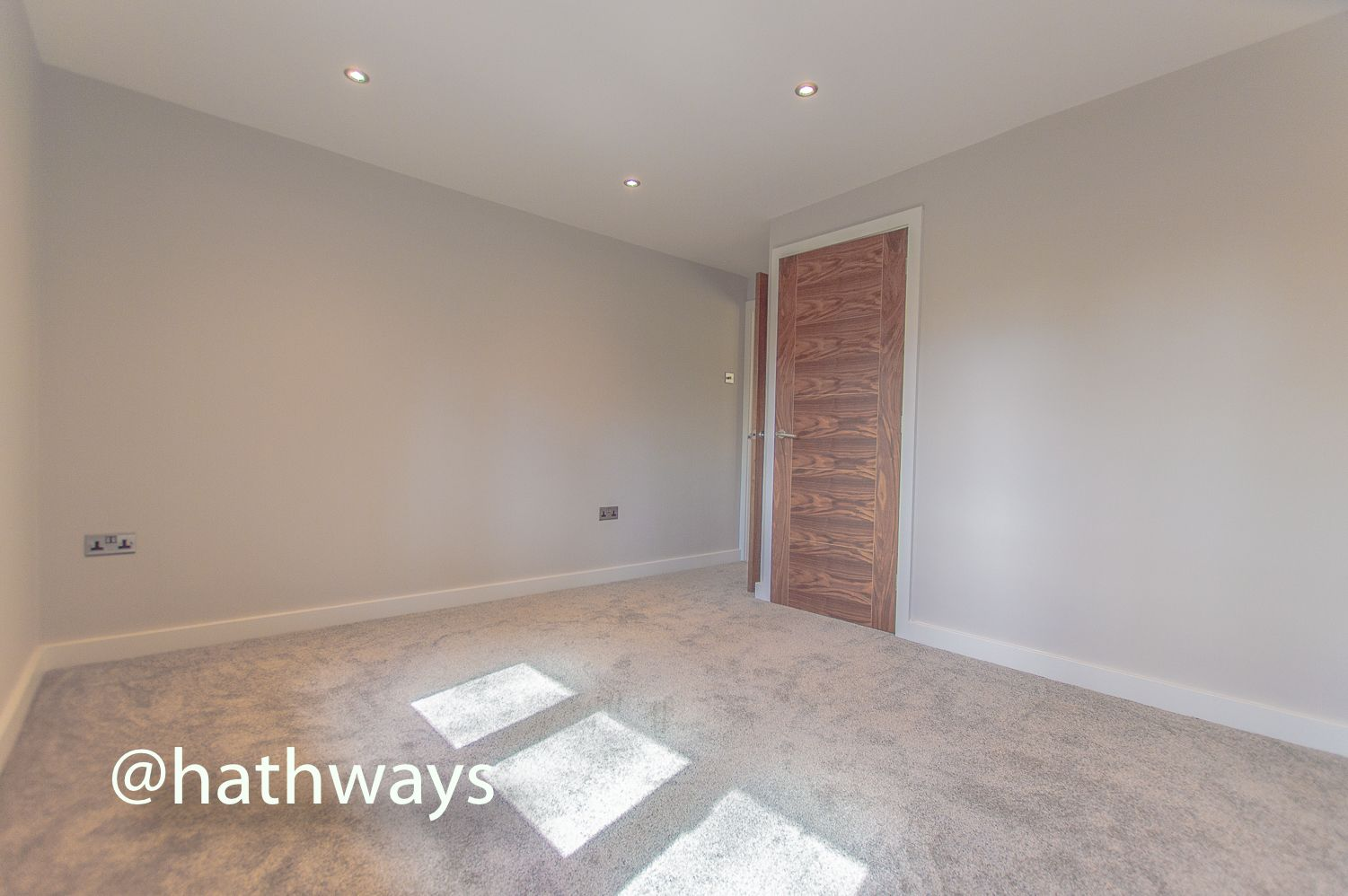 3 bed house for sale in Garw Wood Drive 42