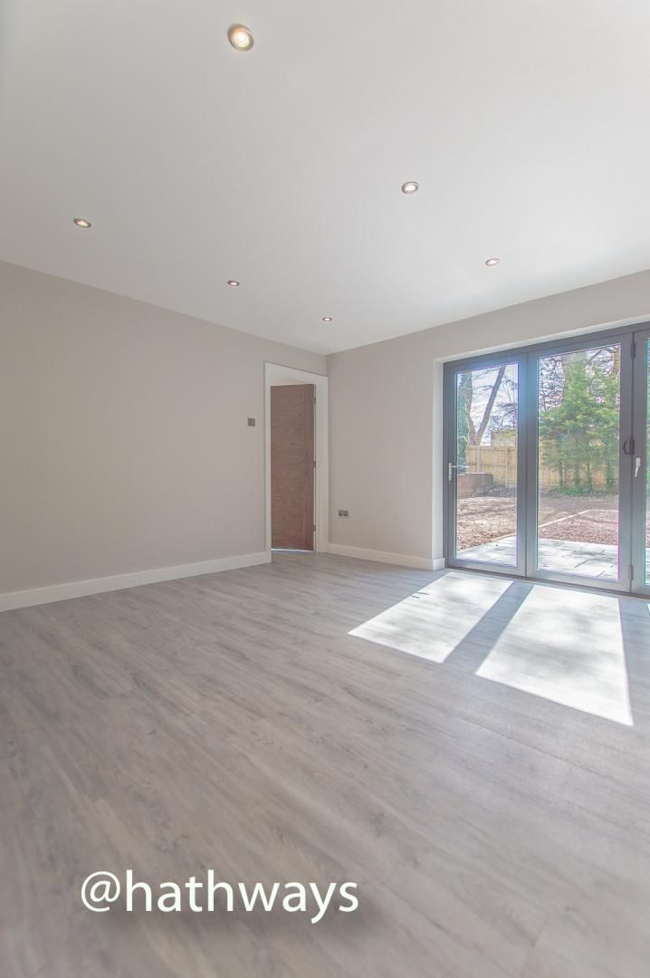 3 bed house for sale in Garw Wood Drive 10