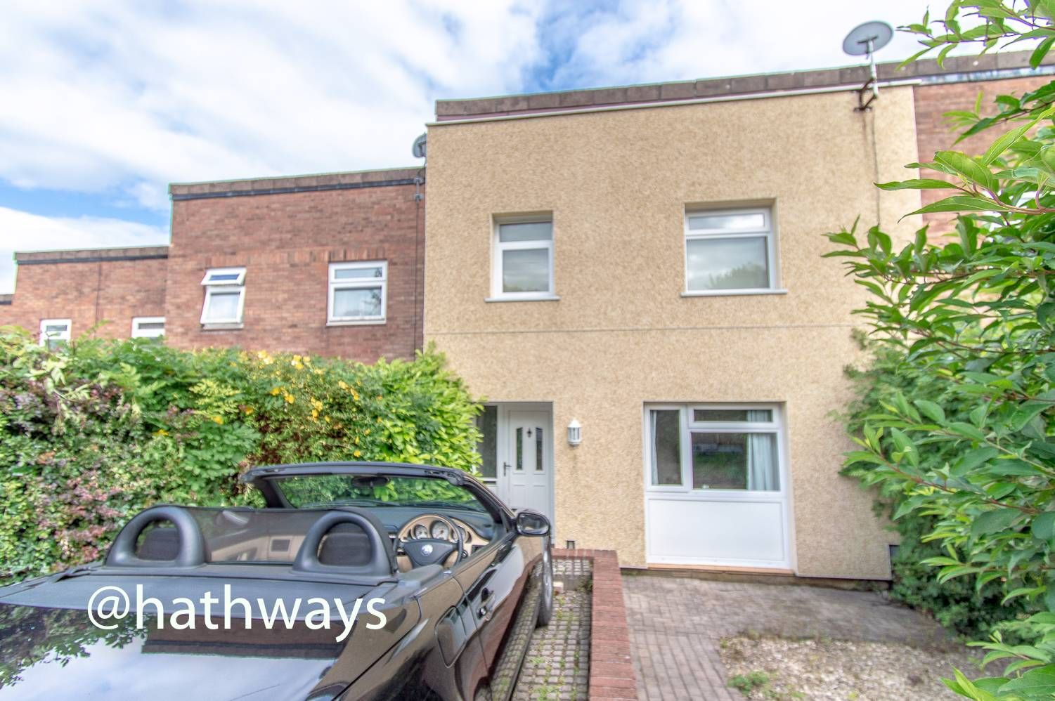 3 bed house for sale in Usk Court, NP44