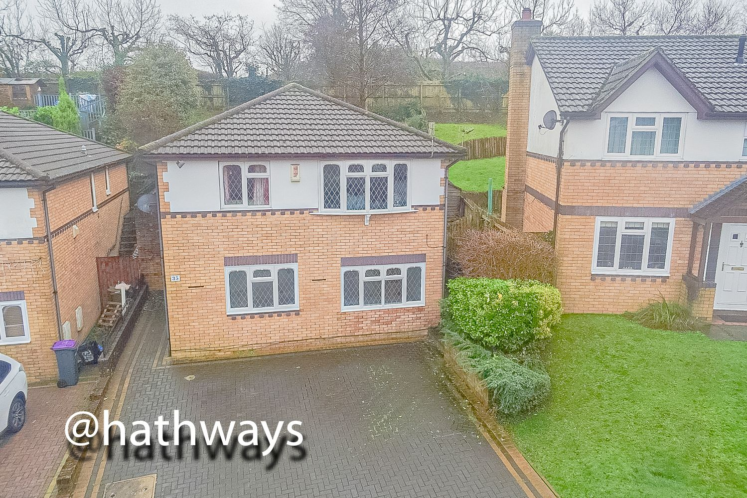 4 bed house for sale in Pant Yr Heol Close 1
