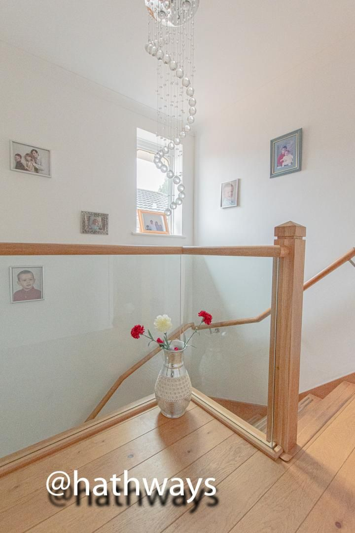 4 bed house for sale in Pant Yr Heol Close 13