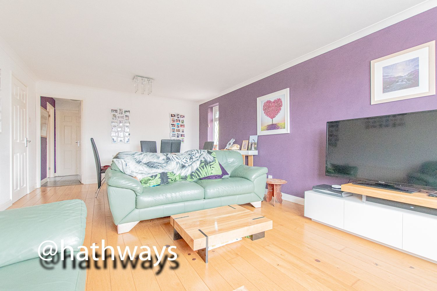 4 bed house for sale in Pant Yr Heol Close 16