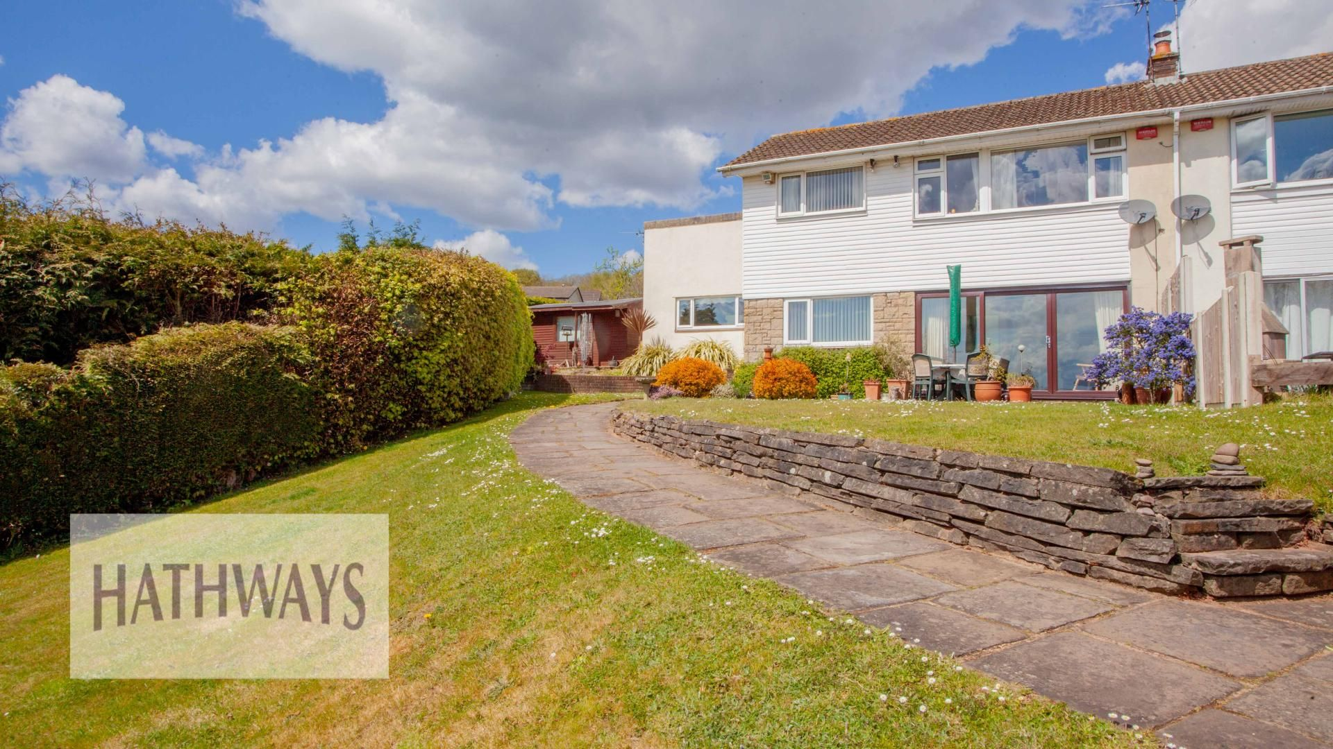 4 bed house for sale in Greenfield, NP18