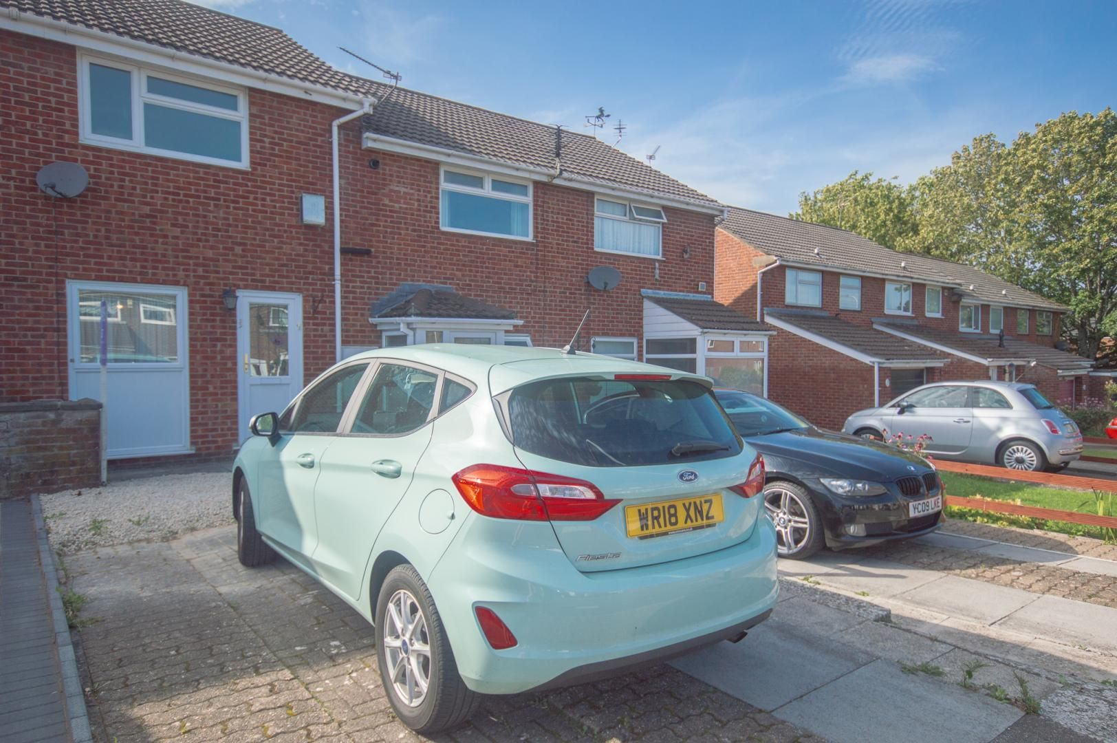 2 bed house to rent in Buxton Close 1