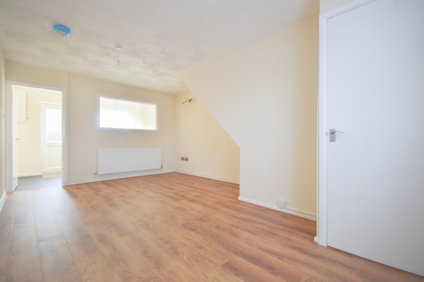2 bed house to rent in Buxton Close 2