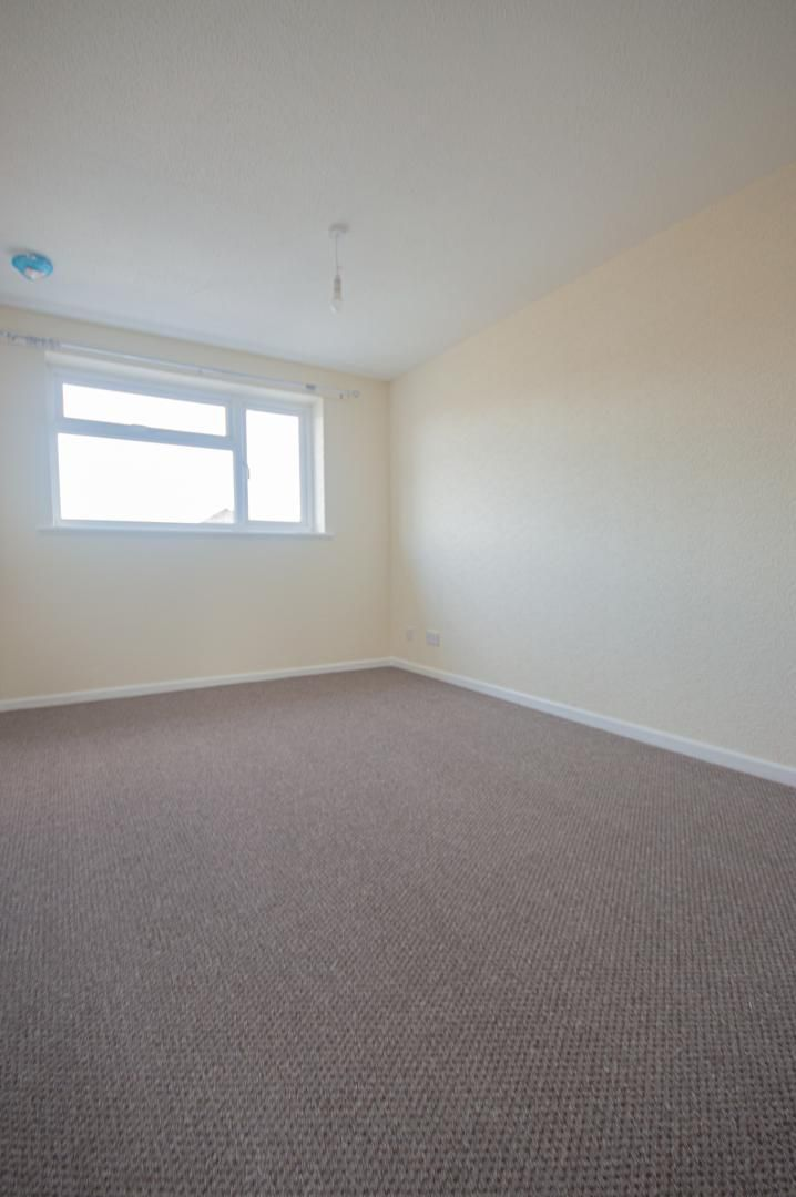2 bed house to rent in Buxton Close 11