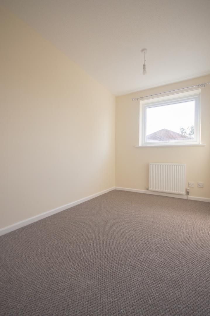 2 bed house to rent in Buxton Close 14