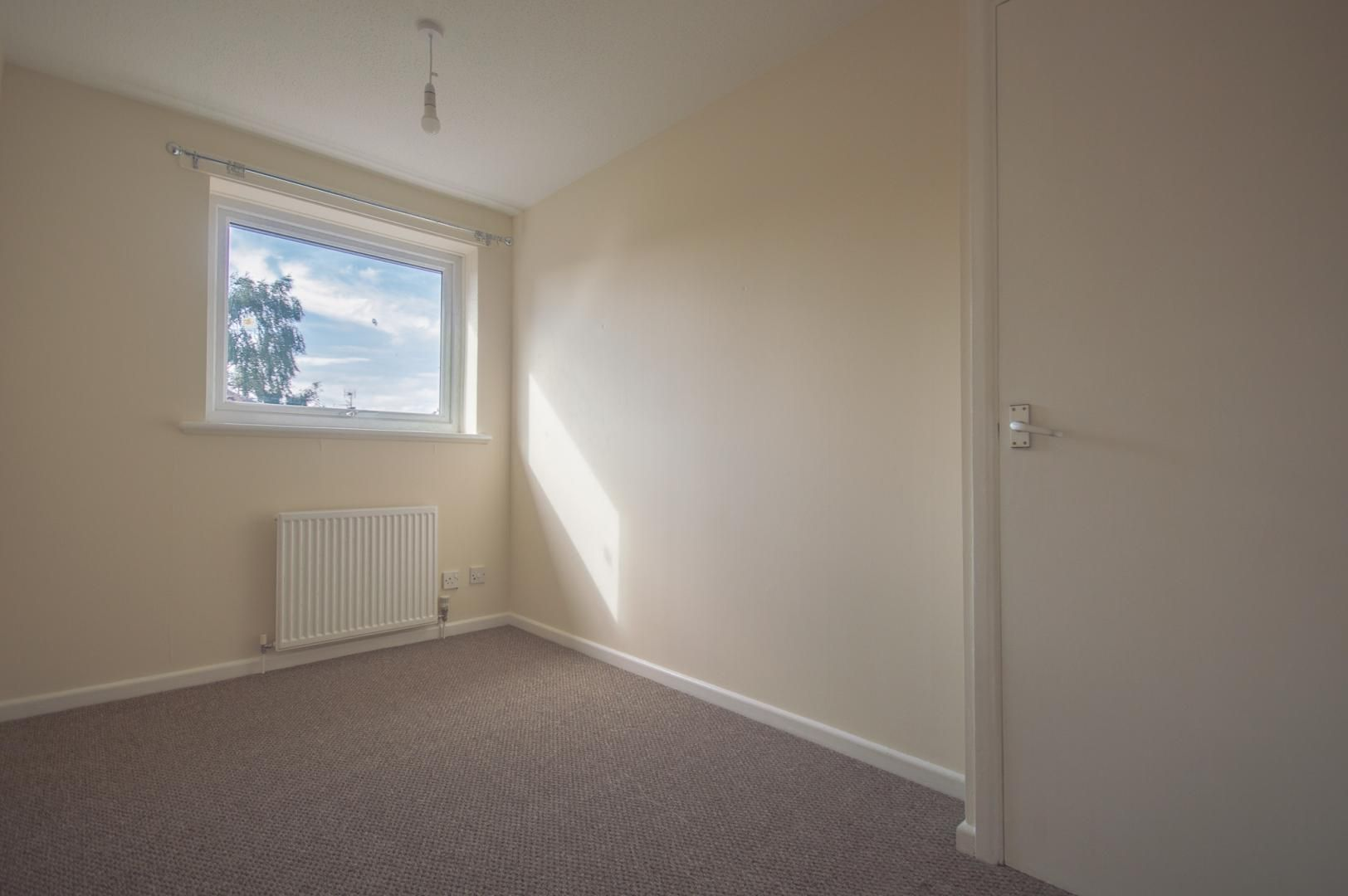 2 bed house to rent in Buxton Close  - Property Image 15