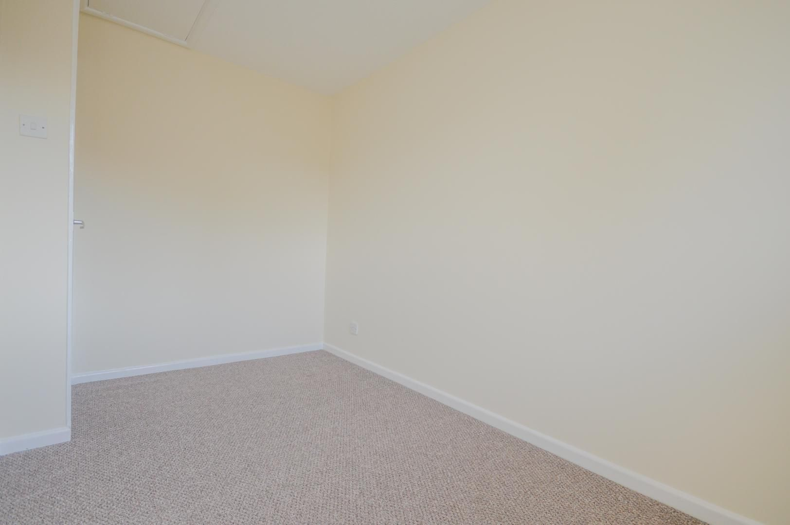 2 bed house to rent in Buxton Close 16