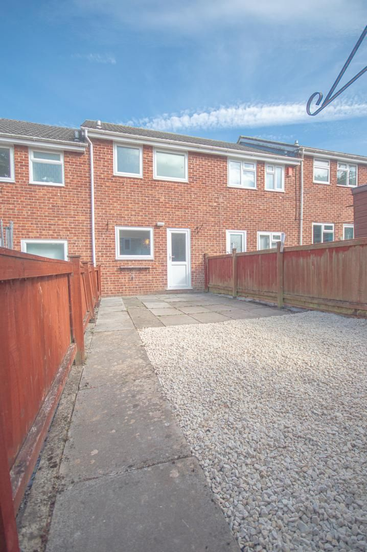 2 bed house to rent in Buxton Close 20