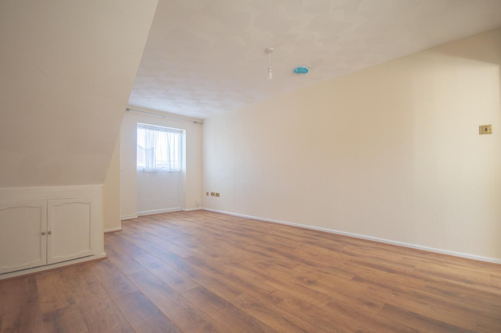 2 bed house to rent in Buxton Close 3