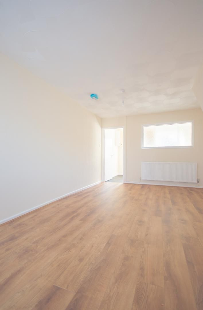 2 bed house to rent in Buxton Close 4