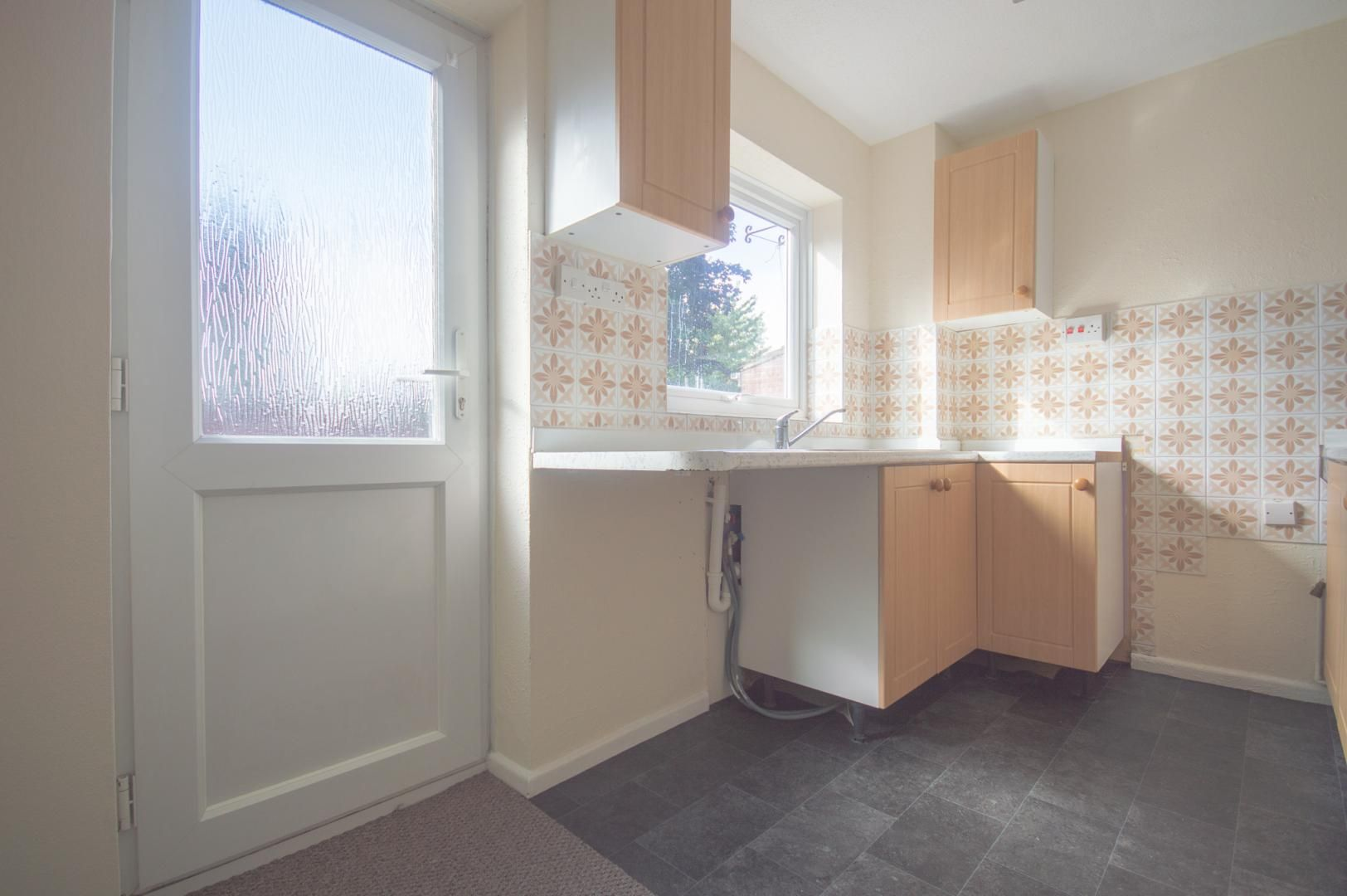 2 bed house to rent in Buxton Close 6