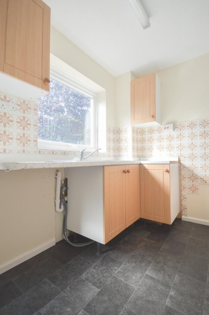 2 bed house to rent in Buxton Close 7