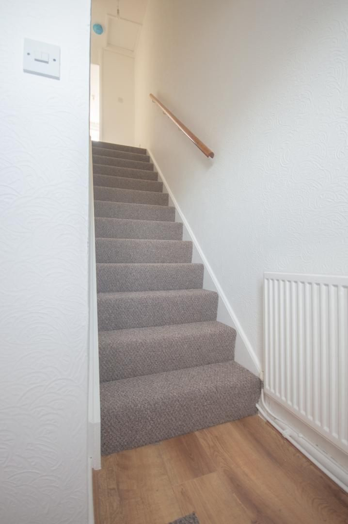 2 bed house to rent in Buxton Close 10